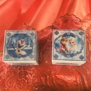 Frozen Singing boxes With Necklaces